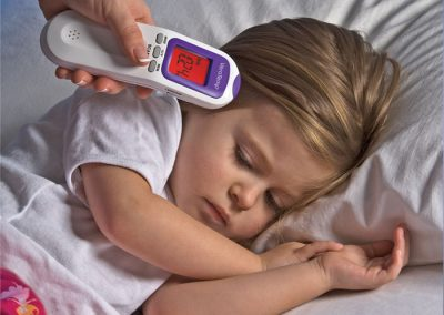 Photography gallery: child with thermometer